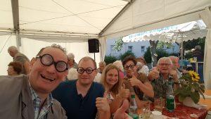 Walking act Hausmeister Heinz aus Mainz mit Comedy und Zauberei